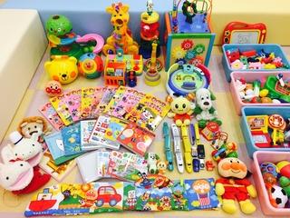 おもちゃたち.JPG