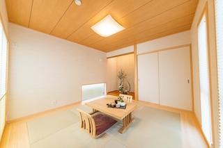 c-japanroom1.jpg